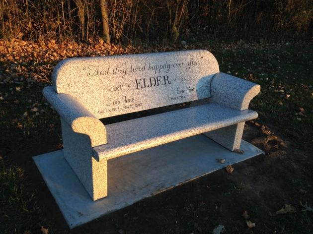 lanas-bench-front